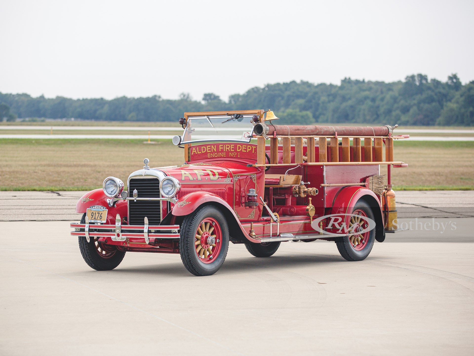 1927 Hudson Model O Super Six Fire Truck - Courtesia of RM Sotheby's